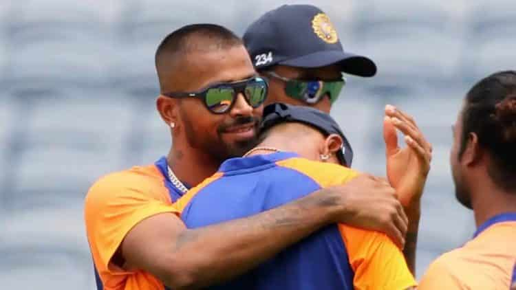 India vs England 1st ODI: Krunal Pandya gets emotional, receives his ODI cap from his brother Hardik Pandya