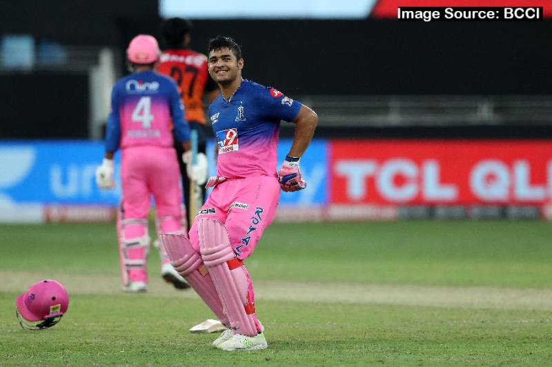 IPLT20: Predicting top 5 contenders of the 'Emerging Player of the Season Award' in IPL 2021