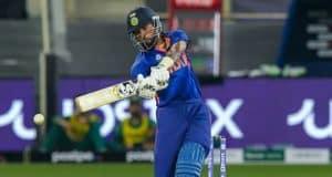 T20 World Cup 2021: All-rounder Hardik Pandya injured, taken for precautionary scans