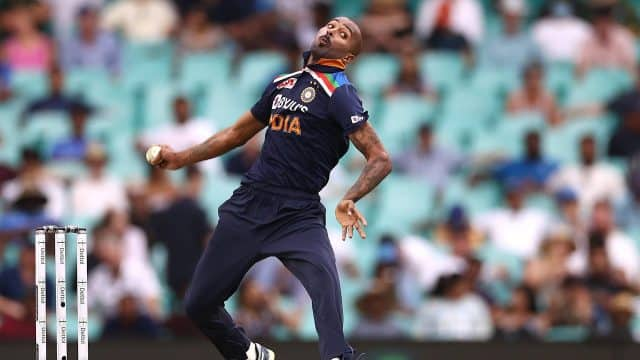 T20 World Cup 2021: Hardik Pandya to be included in India's playing11 only if he bowls at 100 per cent fitness, says Gautam Gambhir